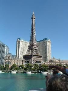 """I tillegg til Eiffeltårnet, kan du fra og med neste sesong også oppleve verdens beste ishockeyspillere i Las Vegas. """"000017 - La Vegas - Nevada"""" (CC BY 2.0) av M.Peinado"""